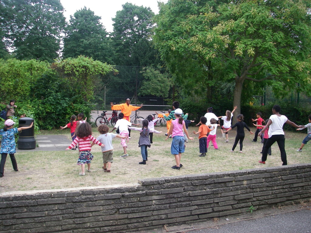 Fifty take part in Tai Chi in Lloyd Park