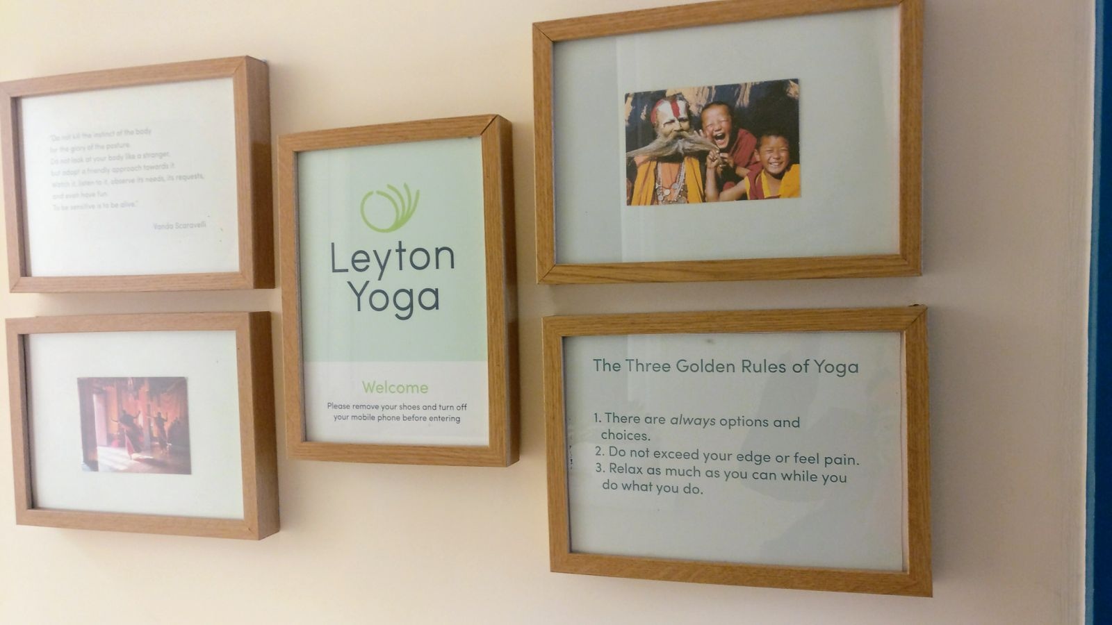 20181127 Leyton Yoga Studio - door signs