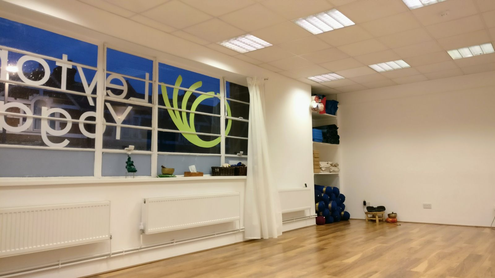 20181127 Leyton Yoga Studio - main hall
