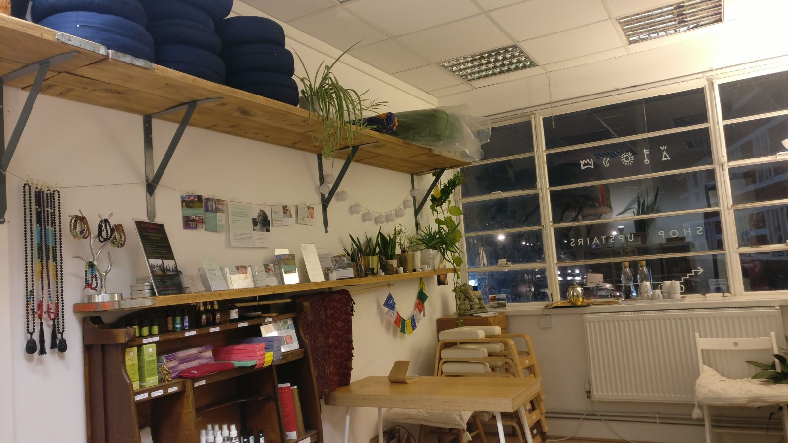 20181127 Leyton Yoga Studio - reception area